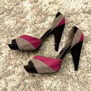 Rouge Helium suede heels